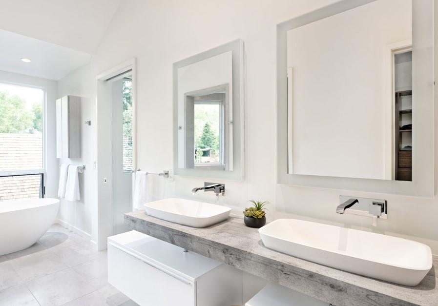 Lavabo da appoggio Goji, consolle Just e specchio Dione, Mastella Design Mobile contenitore Byte, Mastella